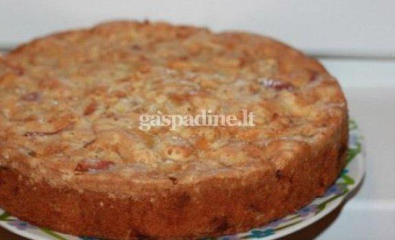 Sandros obuolių pyragas