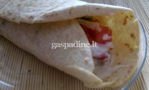 Tortilija su vištiena ir daržovėmis