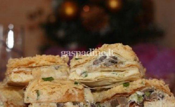 Sūrio ir grybų pyragas