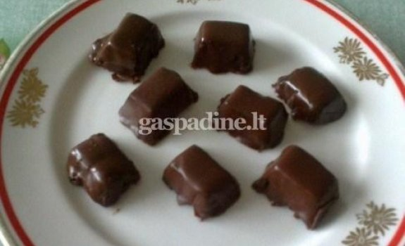Želinukai su šokoladiniu glaistu
