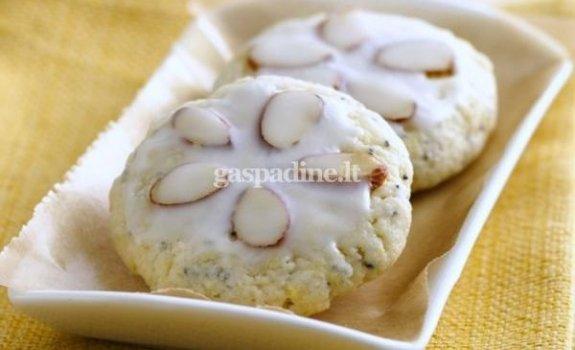 Arbatiniai migdolų ir aguonų sausainiai