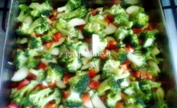 Daržovių ir vištienos plokštainis