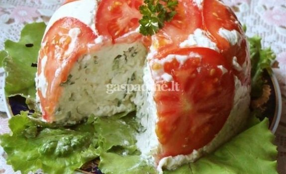 Pikantiškas varškės slėgtainis su pomidorais