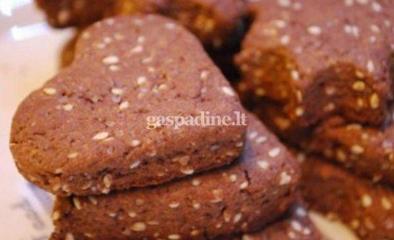 Šokoladiniai sausainiai su sezamo sėklomis