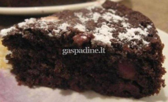 Kakavinis vyšnių pyragas